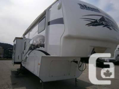 2009 Keystone Montana 3075, Fifth Wheel - $37995