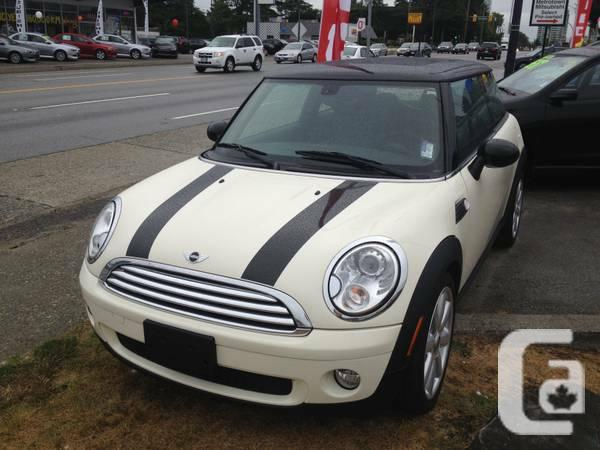 2009 mini COOPER, 5SPEED, low kms, no accidents 100%