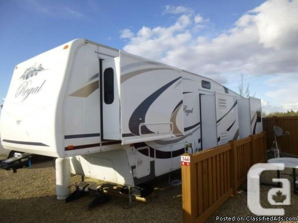 2009 Noble 355 RLQS fifth-wheel Available