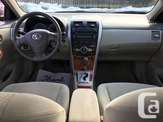 2009 Toyota Corolla LE - Auto with Sunroof & Alloys
