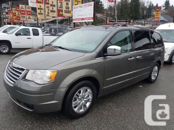 2010 chrysler town and country limited with nav and sun roof for sale in port moody british. Black Bedroom Furniture Sets. Home Design Ideas