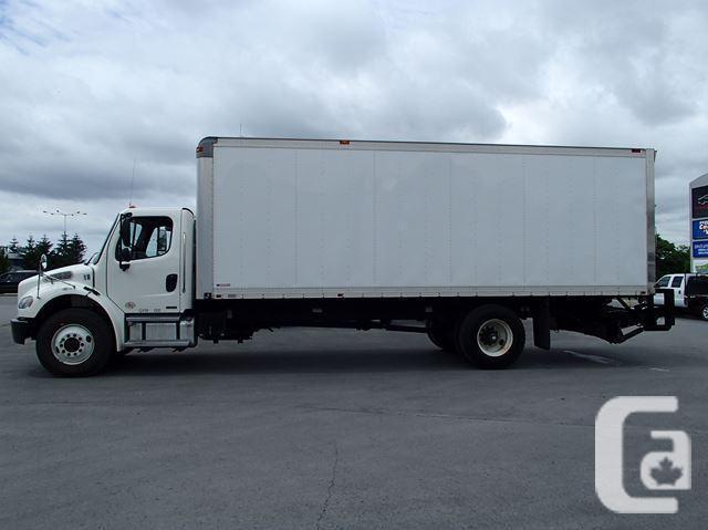 2010 Freightliner M2 Dynamax M2-24' Box Truck
