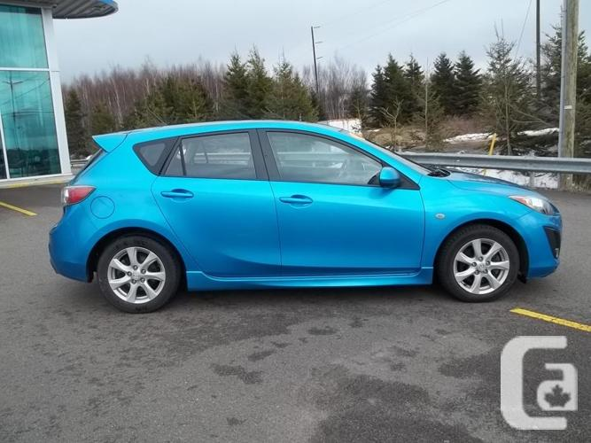 2010 MAZDA 3 GS SPORT WITH SUNROOF AND AUTOMATIC