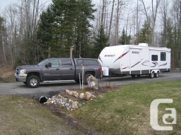 2011 30 Ft Keystone Hornet Travel Trailer For Sale In