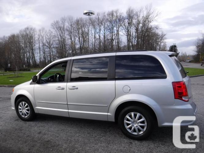 2011 Dodge Grand Caravan 7 Passenger Stow n' Go