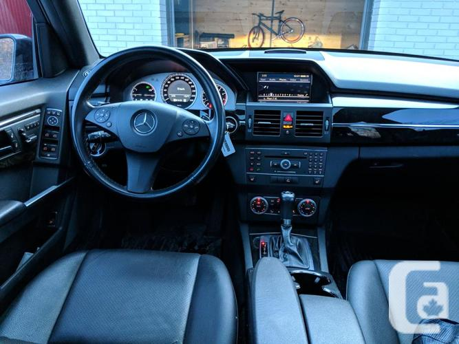 2011 Mercedes Benz GLK350 4Matic (all wheel drive)