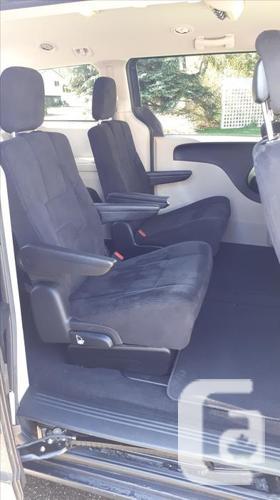 2012 Dodge Grand Caravan SE Stow N' Go