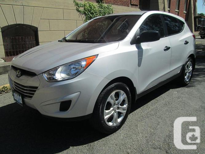 2012 hyundai tucson local vehicle no accidents for sale in victoria british columbia. Black Bedroom Furniture Sets. Home Design Ideas