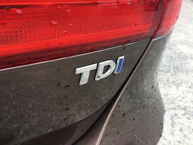 2012 Volkswagen Jetta TDI Highline - Only 76,000 KM