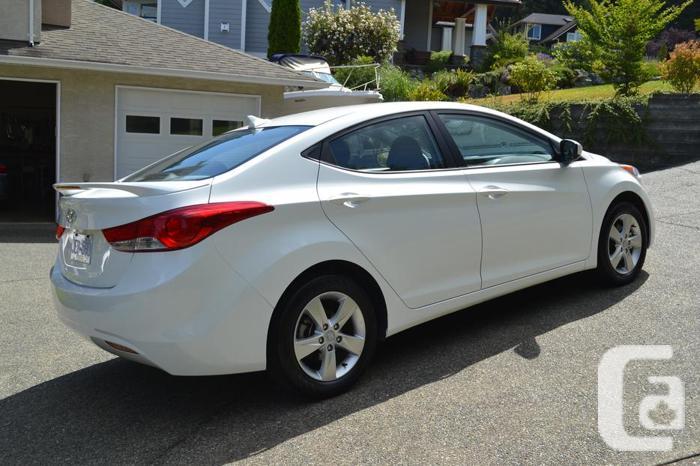 2013 Hyundai Elantra, 40165 Kms, Sunroof, Spoiler,