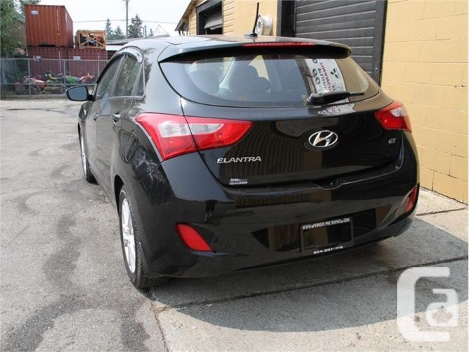 2013 Hyundai Elantra GT SE W/TECH PKG   - Pano Roof -
