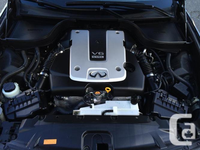 2013 Infiniti G37X AWD Tech Pkg (Great Condition)