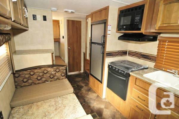 2014 189 watts/Bunks Vacation Trailer! !! that is