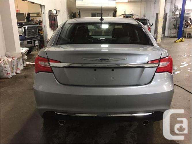 2014 Chrysler 200 Limited  - Leather Seats -  Bluetooth