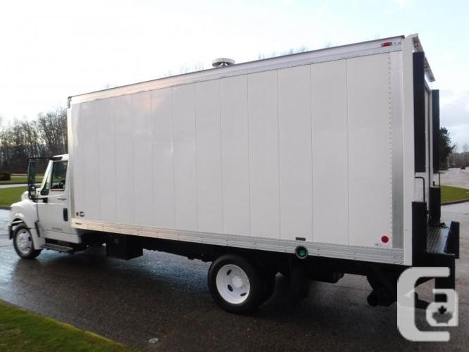 2014 International TerraStar 18 Foot Cube Van Diesel