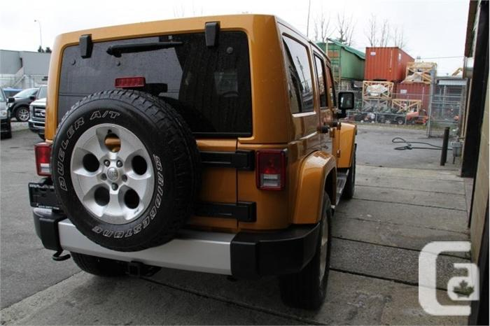 2014 Jeep Wrangler Unlimited SAHARA  EQUIP WITH NAV,