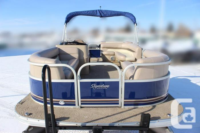 2014 SunTracker Party Barge 20 DLX with Mercury 60Hp