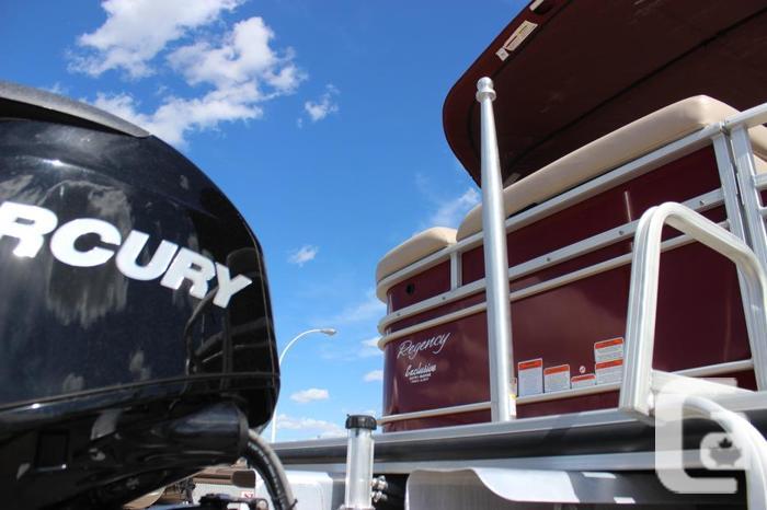 2014 SunTracker Regency Party Barge 220 XP3 w/ Mercury