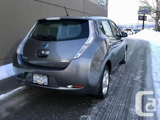 2015 NISSAN LEAF GREY  SV 51k **fast charger**FULL