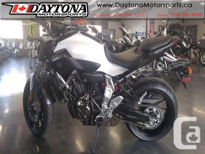 2015 Yamaha FZ-07 Sport Motorcycle * HARD TO FIND SUPER