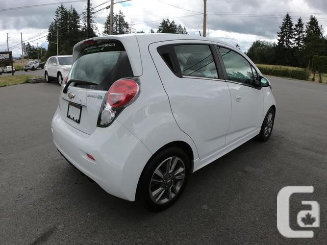 2016 CHEVROLET SPARK (LIKE NEW! EXCELLENT CONDITION!)