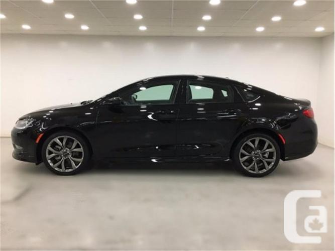 2016 Chrysler 200 S V6 | Sunroof | Navigation