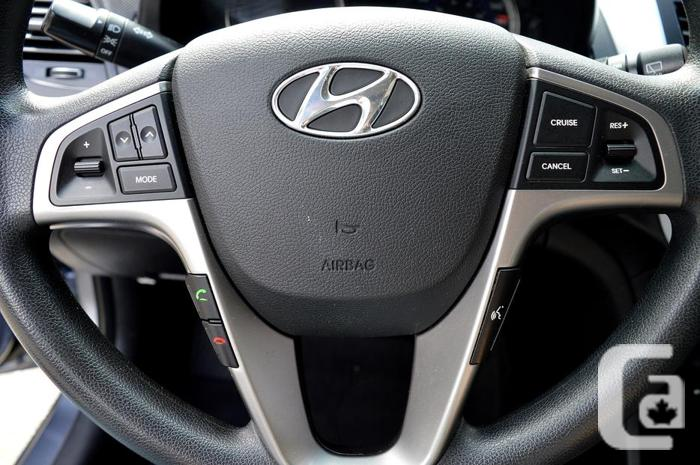 2016 Hyundai Accent 5dr HB - Local / One Owner