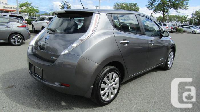 2016 Nissan LEAF S FWD