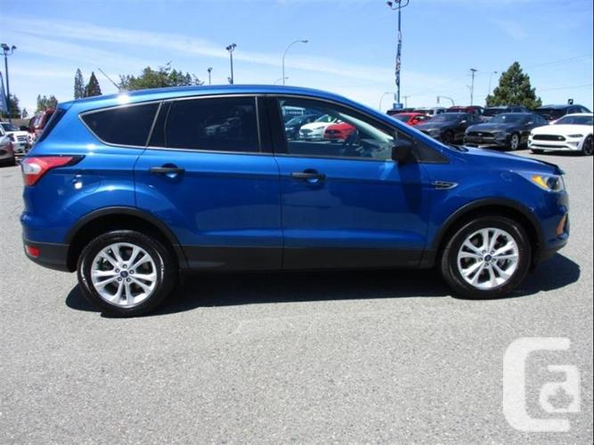 2017 Ford Escape S - no accidents, one owner, warranty,