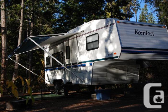 23.5ft  Komfort 5th Wheel