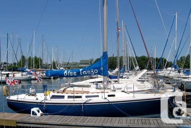 $25,000 1985 Catalina Catalina 30 Tall Rig Boat for