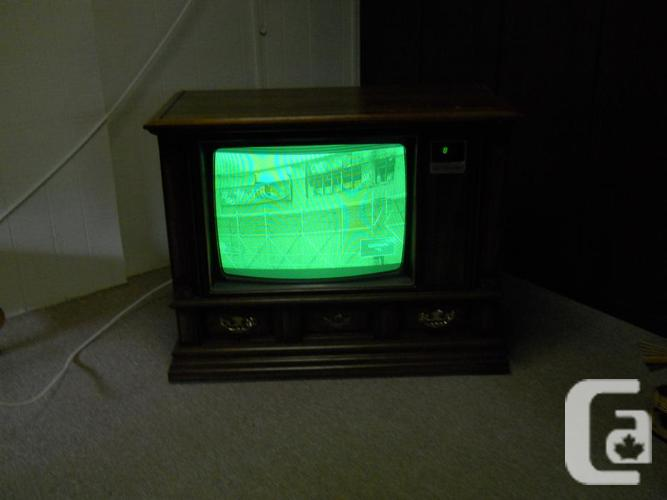 "25"" Cabinet Zenith Space Command TV with Remote"