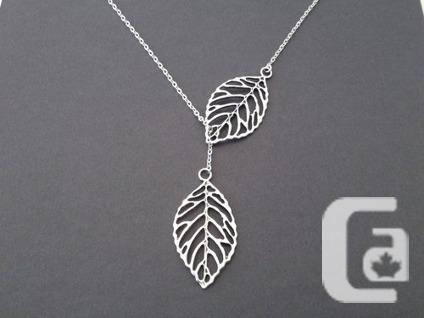 $26 OBO Twin leaf Necklace