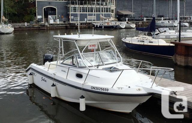 $29,900 2000 Boston Whaler Boston Whaler Conquest 23