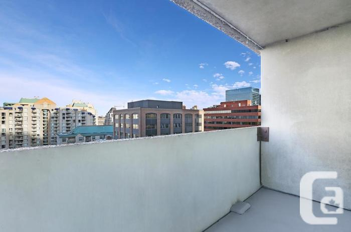 2BD Calgary Rentals Downtown! SW Near C-Train! With Den