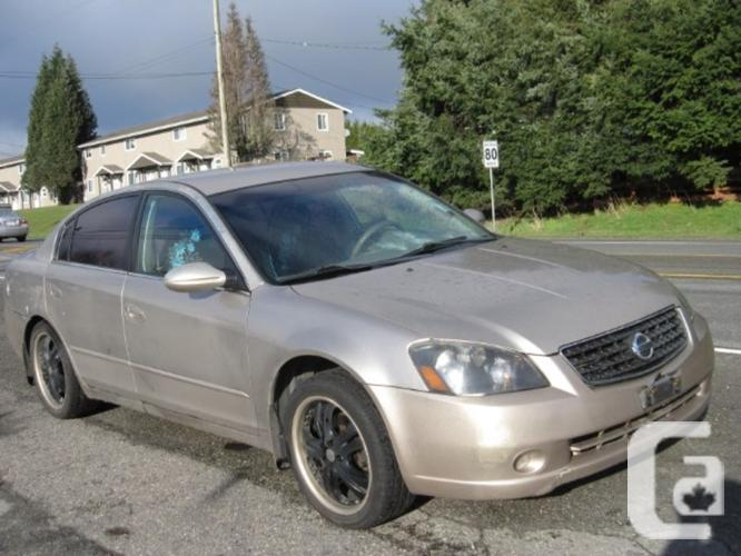 used 2005 nissan altima 2 5 sl automatic for sale in. Black Bedroom Furniture Sets. Home Design Ideas