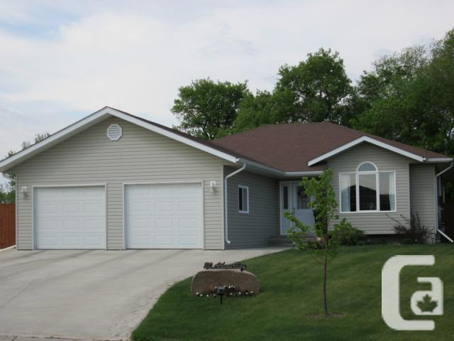 30 athens bay for sale in morden manitoba classifieds for Morden houses for sale