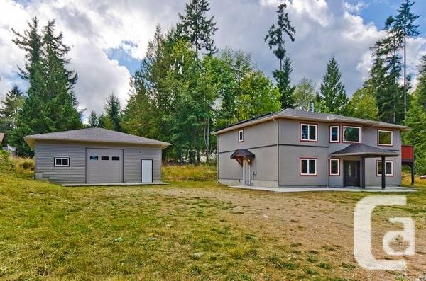 4br 6 car garage shop and renovated home for sale in for 6 car garage homes for sale