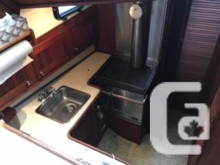 33' Custom Scandinavian Diesel Trawler, Boathouse