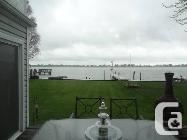 $334999 / 4br - 2107ft² - Beautiful 4 room Waterfront