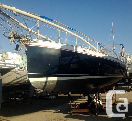 $34,900 1980 Hinterhoeller Nonsuch 30 Classic Boat for