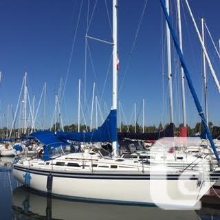 $34,900 1986 Hunter 34.5 Boat for Sale