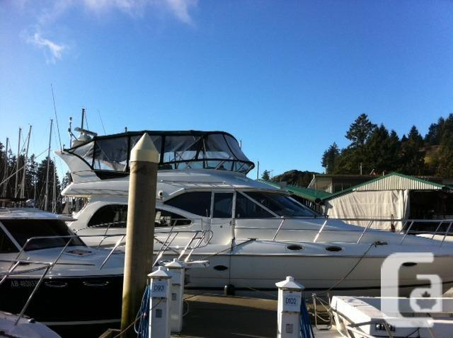 $358,000 2001 Cruisers Yachts 5000 Sedan Sport Boat for