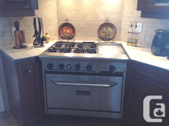 36 inc Natural Gas Range 4 Burners & 12 inch griddle