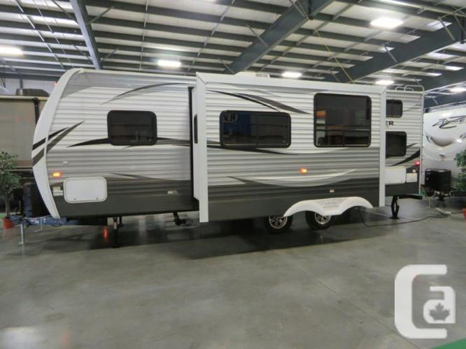 $39,795 2016 CrossRoads Zinger ZT26KS 29ft