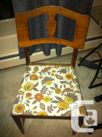 4 Super Cute Wooden Retro Chairs - $40
