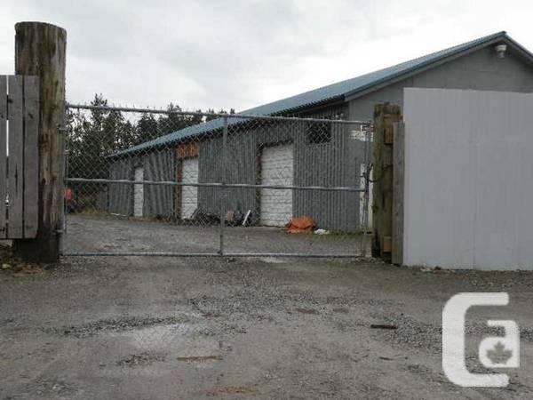 - $400 / 700ft² - commercial shop space for rent
