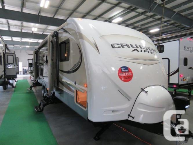 $43,995 2015 CrossRoads Cruiser Aire CAT29BH 32ft