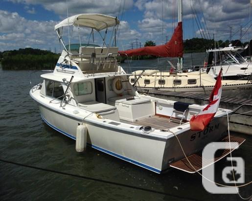$44,900 1973 Bertram 31 Flybridge Cruiser Boat for Sale
