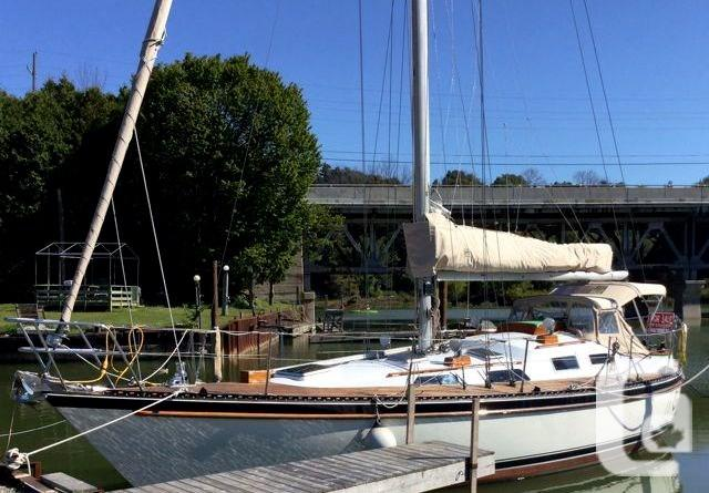 $44,900 1981 Tayana Tayana Vancouver 42 Boat for Sale